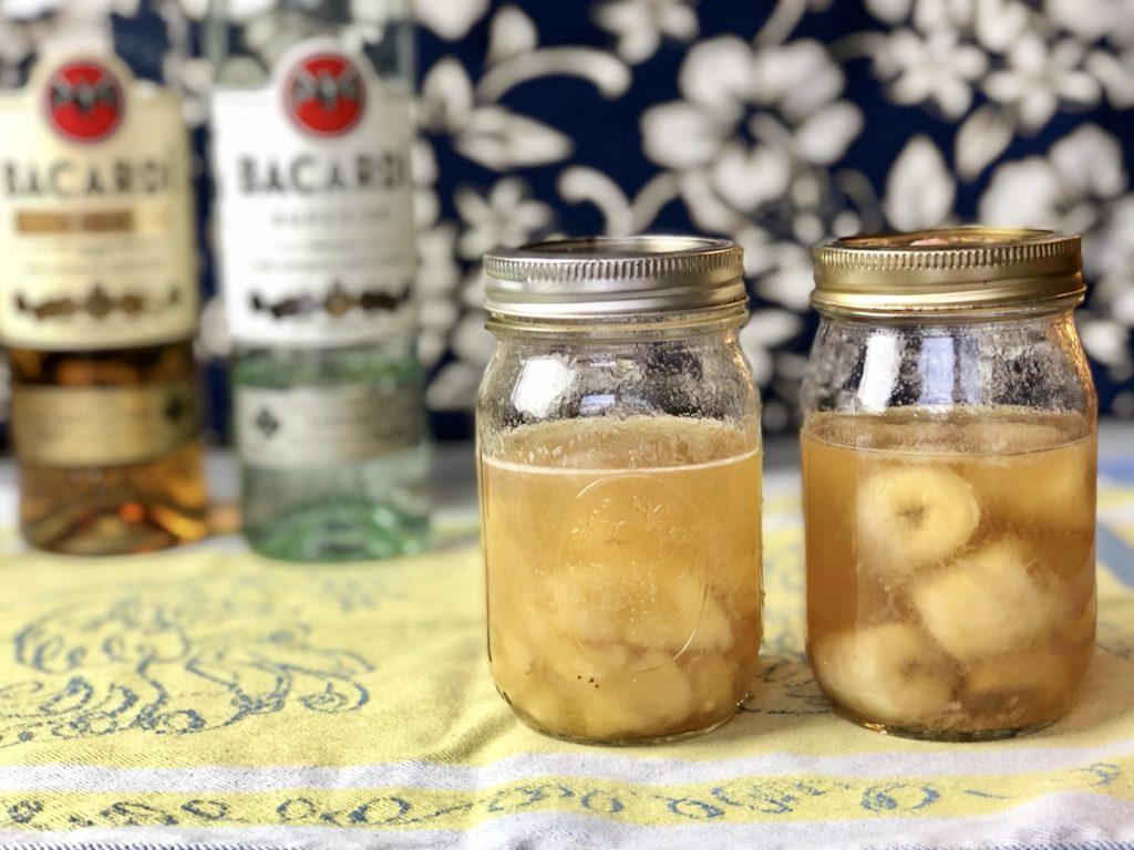 platanos en jarra con ron
