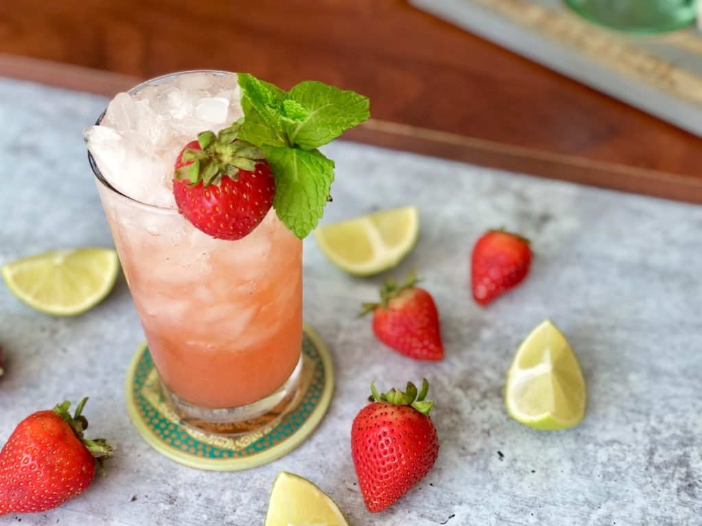 mojito de fresa bebida