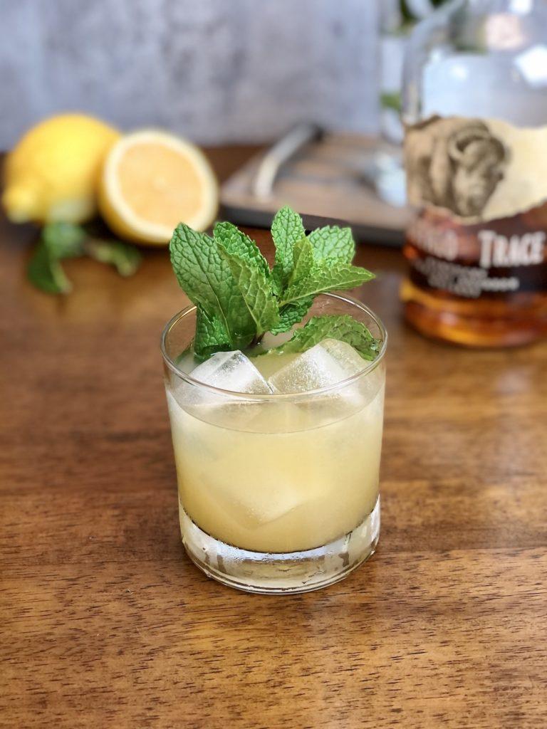 whisky smash coctel